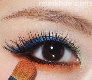 Trang điểm mắt màu xanh